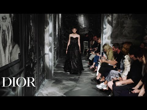 Relive the Dior Autumn-Winter 2019-2020 Haute Couture show