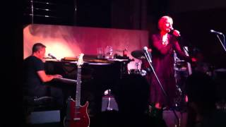JULIA FORDHAM - TOWERBLOCK featuring Grant Mitchell (Live from London)