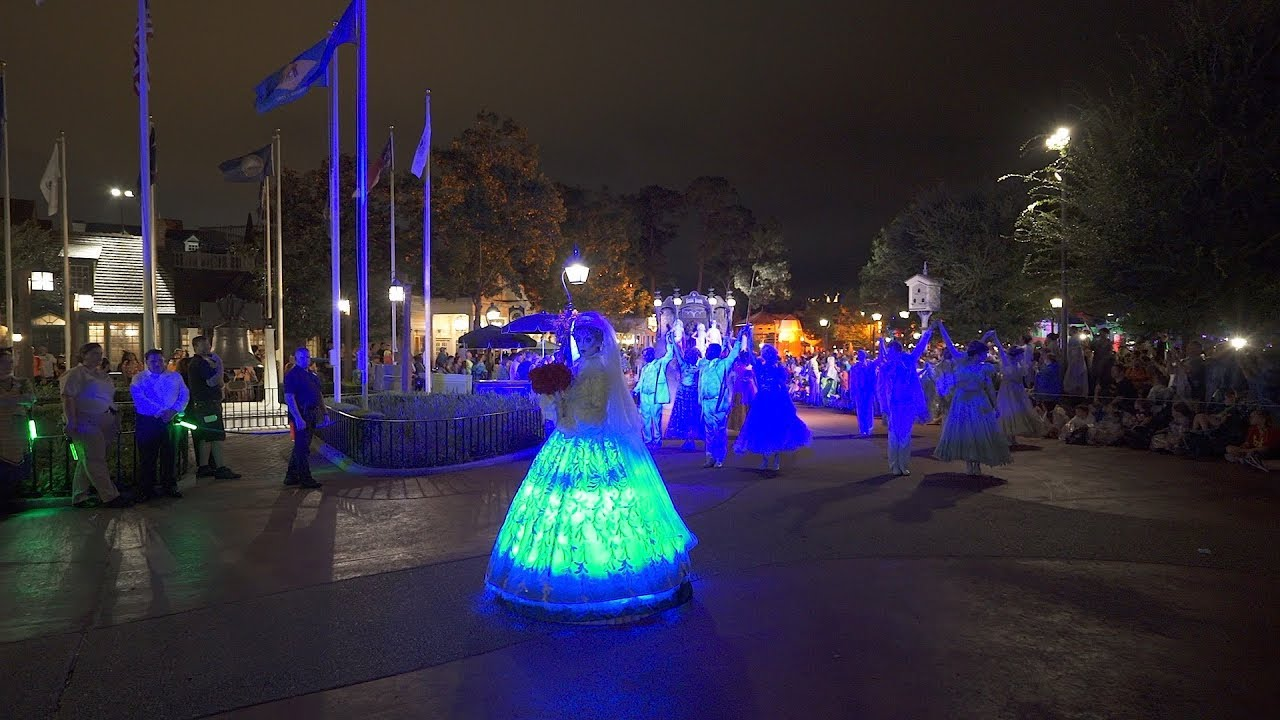 Mickey's Boo to You Halloween Parade 2019