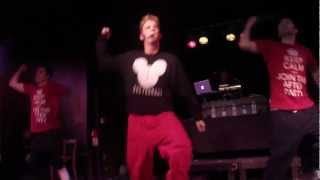 Aaron Carter entering stage and singing Another Earthquake 2013