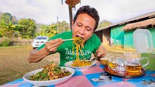 Street Food Mountain - CHILI OIL YELLOW NOODLES + Tea Leaf Salad! ⛰️ Ban Rak Thai (บ้านรักไทย)