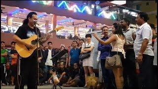 pasangan dari india mahu lagu tamil dari sentuhan buskers,bob bagi SAMBUTLAH KASIH