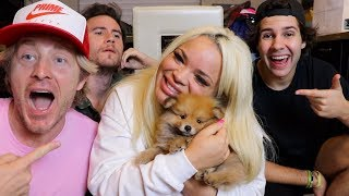 SURPRISING GIRLFRIEND WITH POMERANIAN PUPPY!!