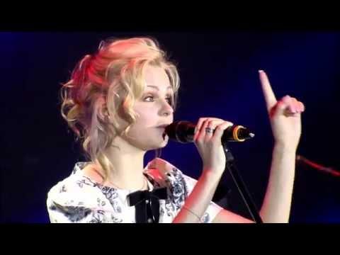 Певица поёт и занимается сексом