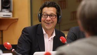 """Laurent Gerra imitant François Hollande : """"Prendre la tête, ça oui la Belkacem elle sait le faire !"""""""