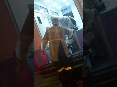 Paramentação de equipe do HSPM que recebe Ailton Souza, com suspeita de COVID-19, em 24/03
