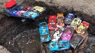 Cars 3 Treck Racers Lightning McQueen - Kids toy videos - Гоночные машины Тачки 3