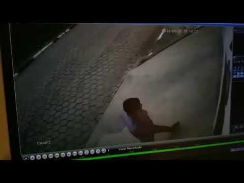 Veja no Circuito Bandidos Chilenos invadem roubam e agridem o Prefeito Ayres Scorsatto em sua casa no Distrito dos Barnabés