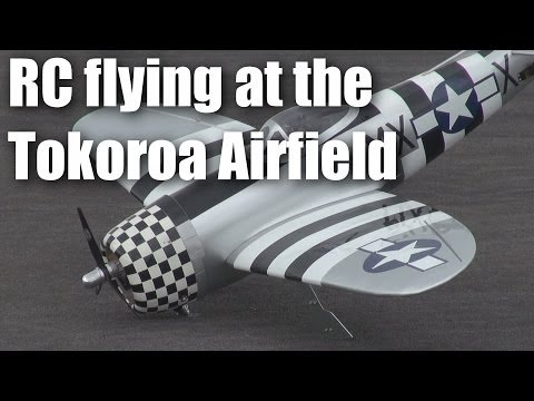 rc-plane-flying-at-the-tokoroa-airfield-22-jan-2014