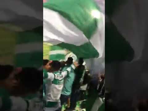 """""""La Komun De Santos alentando"""" Barra: La Komún • Club: Santos Laguna"""