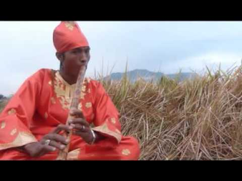 DOWNLOAD LAGU DASRI SYAHIRA BAMATO ANGIN LAGU MINANG MP3