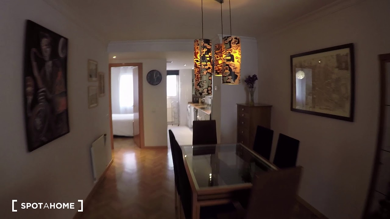 Spacious 1-bedroom apartment with balcony for rent in Madrid Centro