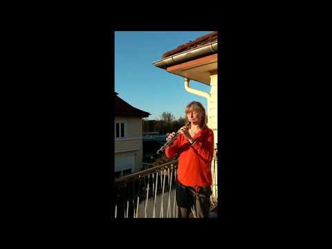 """Anwesenheitsnotiz - Annette Kiesewetter hat die """"Ode"""" auf den Lippen"""