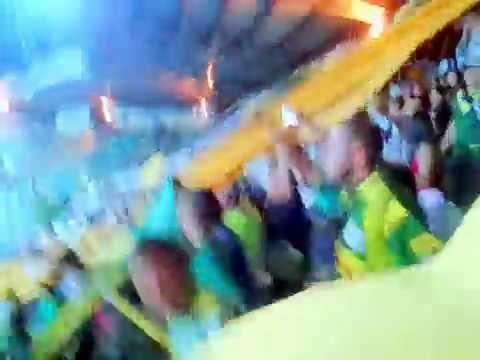 """""""LA POPULAR Y LOS DILIGENTES"""" Barra: Artillería Verde Sur • Club: Deportes Quindío"""