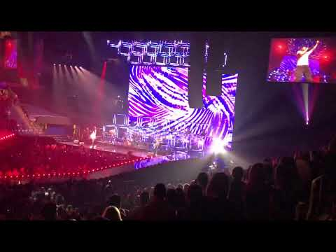 Maroon 5 'Animals' Red Pill Blues Tour 2018 St. Louis Mp3