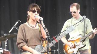 Feist - How Come You Never Go There (Laneway Melb 2012)