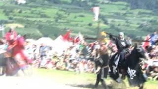 preview picture of video 'Die Südtiroler Ritterspiele am Fuße der Churburg zu Schluderns'