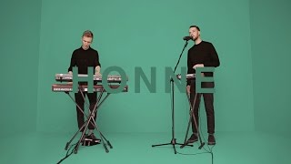HONNE - WARM ON A COLD NIGHT   A COLORS SHOW