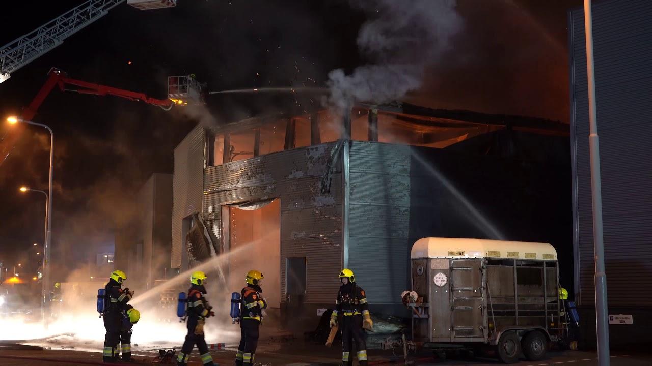 Heemskerk: grote brand in bedrijfsgebouw