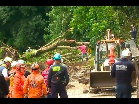 Tres personas mueren en finca de Caldas por una avalancha | Noticias Caracol