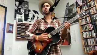 "Shakey Graves - ""Late July"" (A Fistful Of Vinyl sessions) on KXLU 88.9 FM Los Angeles"