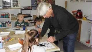 preview picture of video 'Besuch der Volksschule Oberwaltersdorf im Atelier Kederst.wmv'