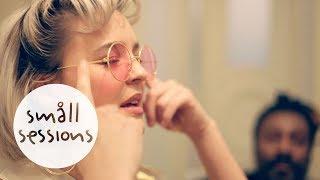 Anne-Marie - Alarm (acoustic) |Småll Sessions