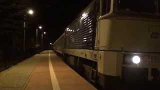 preview picture of video 'Pociąg TLK Monciak relacji Zagórz - Gdynia 14.12.2014r. (stacja Sanok Miasto)'