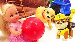 Детское видео и игрушки ЩЕНЯЧИЙ ПАТРУЛЬ. Игрушки из мультфильмов спасают Штеффи, упавшую в овраг!
