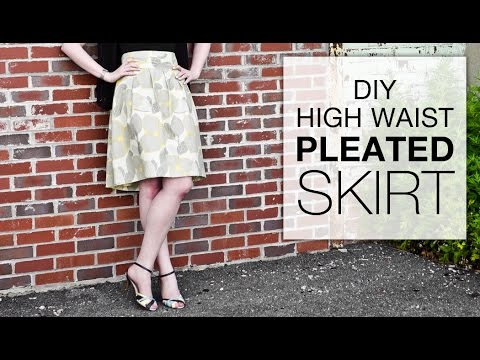 DIY High Waisted Pleated Skirt