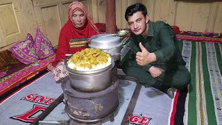 We Shift Our Wodden Stove To Living Room And Cooked Chicken Curry With White Rice #SecretsOfGilgit