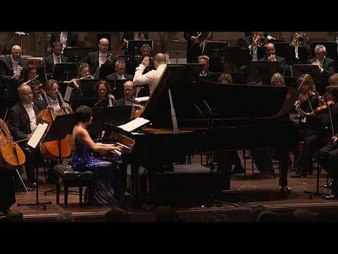 Η Γιούτζα Γουάνγκ στο 4ο κονσέρτο για πιάνο του Ραχμάνινοφ