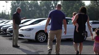 preview picture of video '2015 Chrysler 200 at Findlay Chrysler'