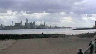 preview picture of video 'Mersey river and Liverpool from a distance'