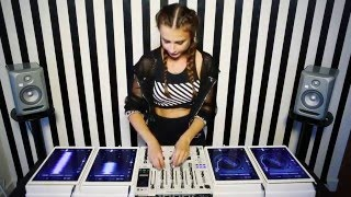 Juicy M – 4 iPads Mix