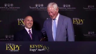 Kevin Hodes Accepts Expy Award