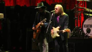 Tom Petty And The Heartbreakers - Rockin' Around (With You) (Newark,Nj) 6.16.17
