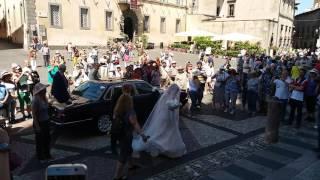 Mireasa intra in biserica/Невеста входит в церковь/La sposa entra in chiesa - Italian