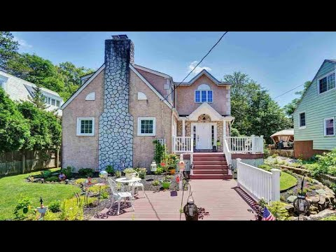 133 EASTVIEW AVE, Leonia, NJ Presented by Luxury Living by Michael Hern.