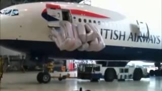 Работа аварийных выходов в самолетах