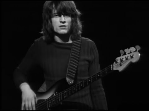 Babe I'm Gonna Leave You (Live)