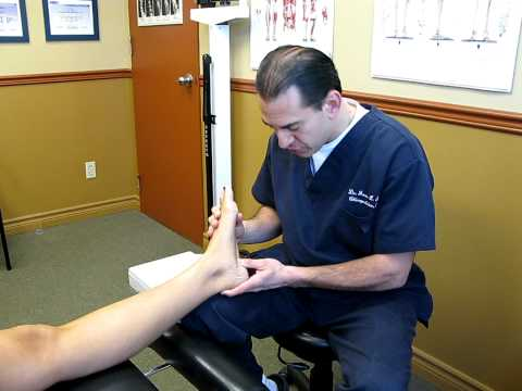 Video Treating Heel Spurs and Plantar Fasciitis with Active Release Techniques