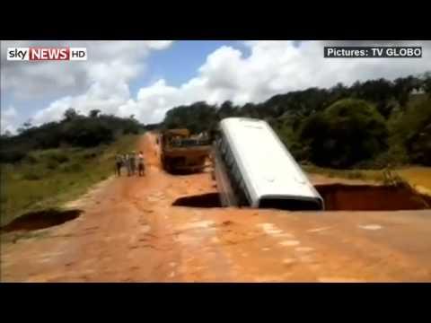 Drama As Sinkhole Swallows Bus in Brazil