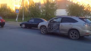 ДТП. Машина снесла столб в Кокшетау по ул. Куанышева