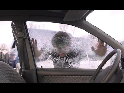 AUTORAAM SLOPEN MET HOOFD - AUTOS SLOPEN STREETFIGHTER STYLE