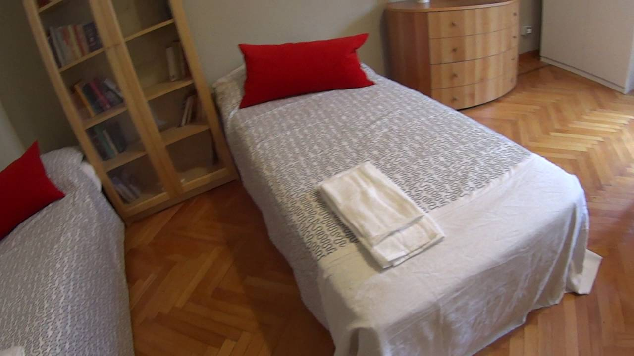 Rooms for rent in a spacious 2-bedroom apartment in Fiera Milano