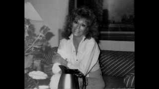 Dottie West Talks About Her Friend Jeannie Seely