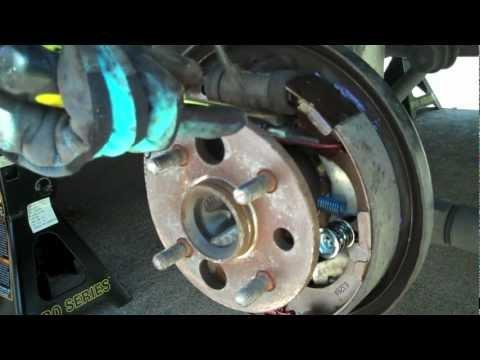 Toyota Corolla 2000 Diy How To Change Drum Brakes