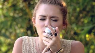 "Miley Cyrus   The Backyard Sessions   ""Jolene"""