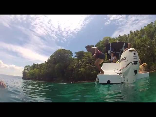 Philippines-boat-tour-along